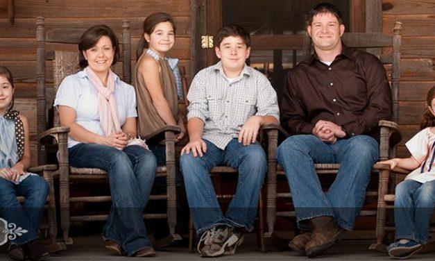 Senette family portraits: family of six
