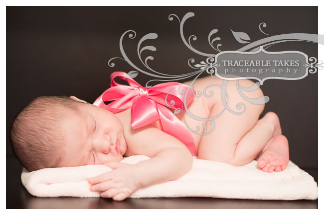 newborn-with-bow