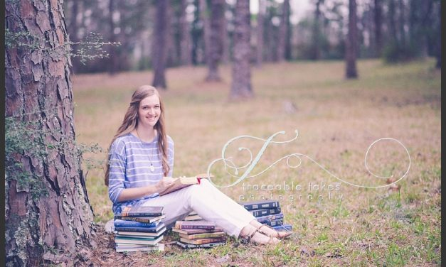 Rachel – Senior Portraits – Home school